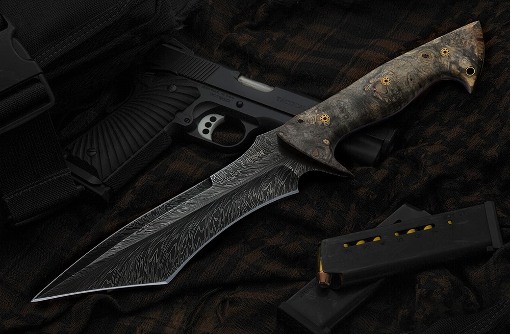 Hossom HHH Feather damascus fighter