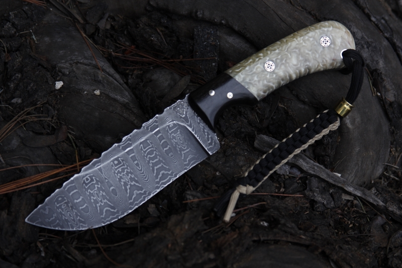 Damascus hunter with Musk ox horn 036 (800x533)